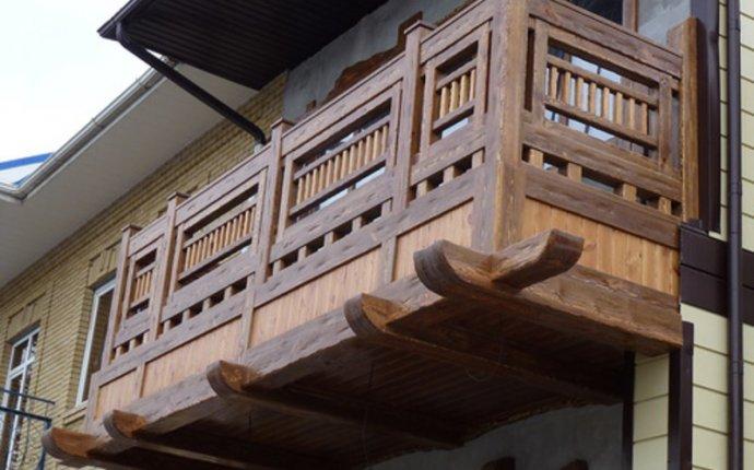 Балконы в частных домах: фото деревянных конструкций и других