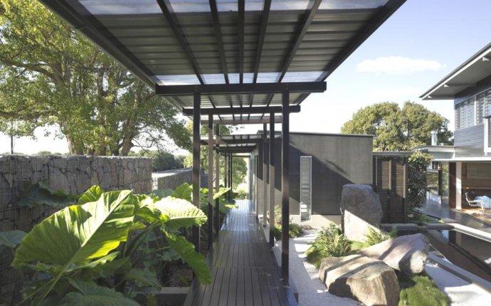 Современные частные дома: асимметричный австралийский особняк с